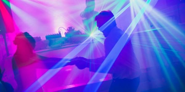 Esküvői DJ esküvőre és egyéb zenés-táncos rendezvényekre