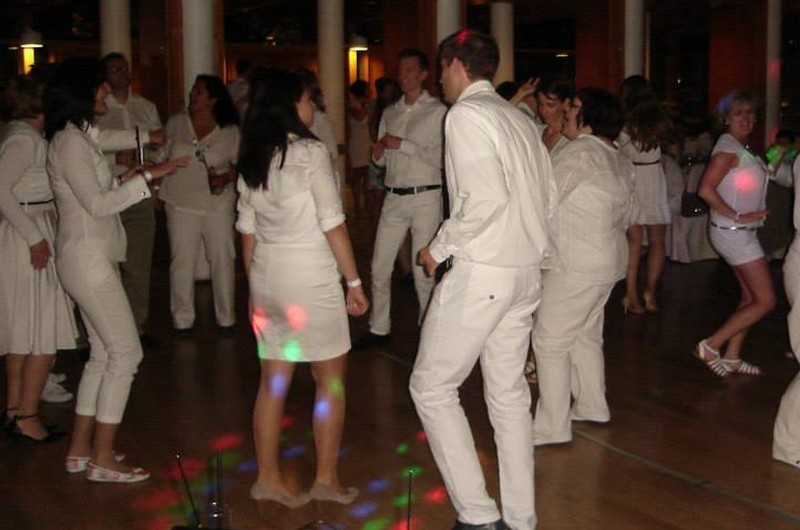 white-party-wedding
